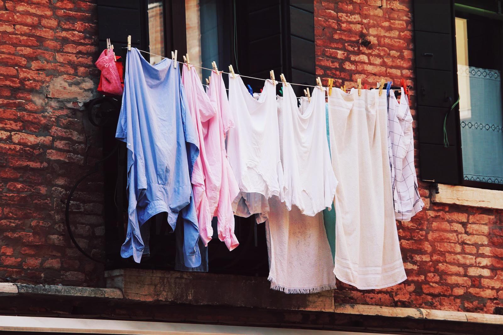 Wäsche an der Wäscheleine