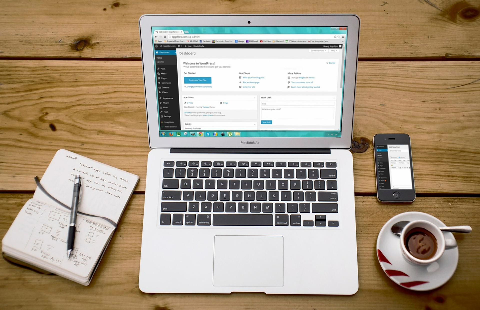 Die Vor- Und Nachteile von Blogger.com und WordPress