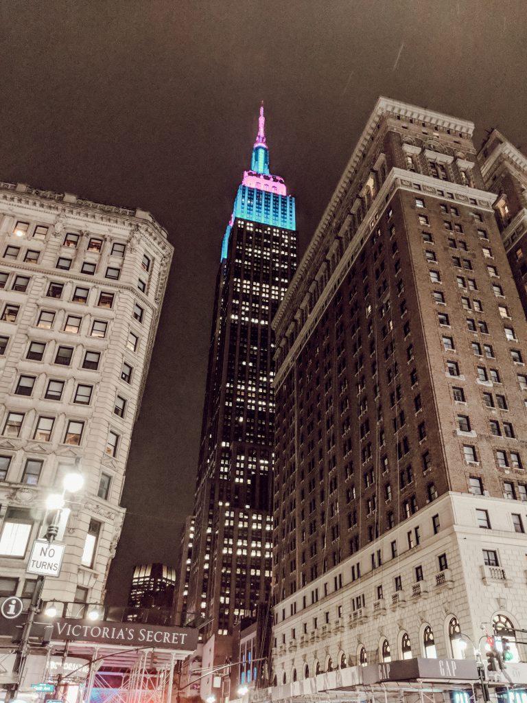 Emipre State Building bei Nacht